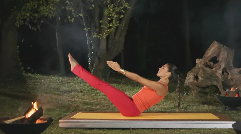 Navasana yoga pose for improved digestive system