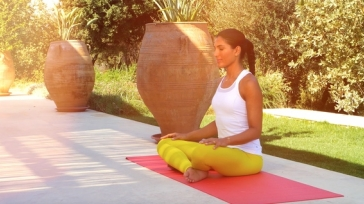 Want To Glow With Solar Radiance Even When It's Raining? - How Yoga Can Help